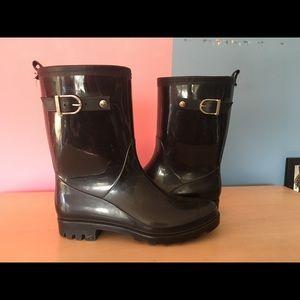 Brand New Capelli Short Black Rainboots